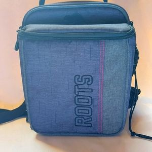 ROOTS CROSSBODY LUNCH BAG NWOT